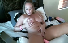 Machine fucking for a horny MILF