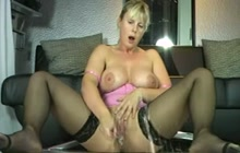 German MILF squirting on webcam